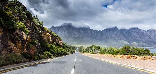 Scenic view of straight empty road, Cape Town, South Africa — Stock Photo