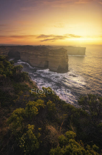 Scenic view of rock formations near Great Ocean Road, Victoria, Australia — Stock Photo