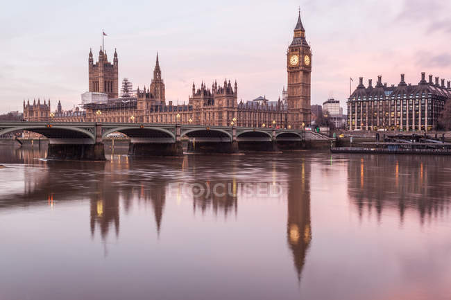 Scenic view of houses of Parliament and Big Ben, London, England, UK — Stock Photo