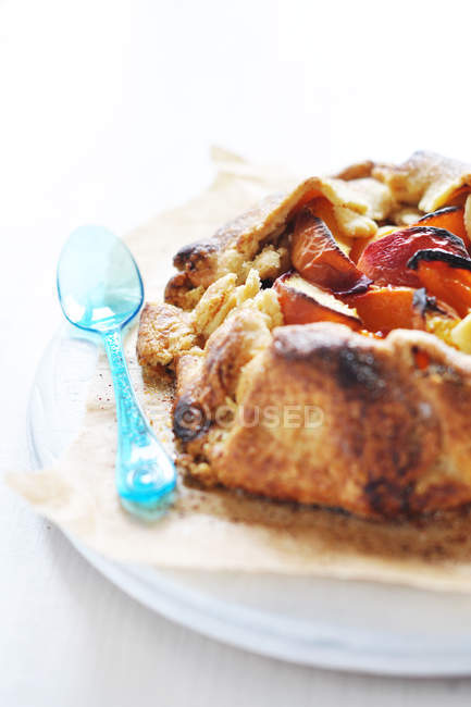 Вкусные и вкусный абрикоса и персика Пирог крупным планом — стоковое фото