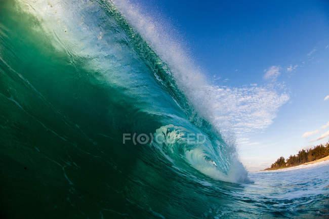 Malerische Aussicht auf die schöne blaue Welle — Stockfoto