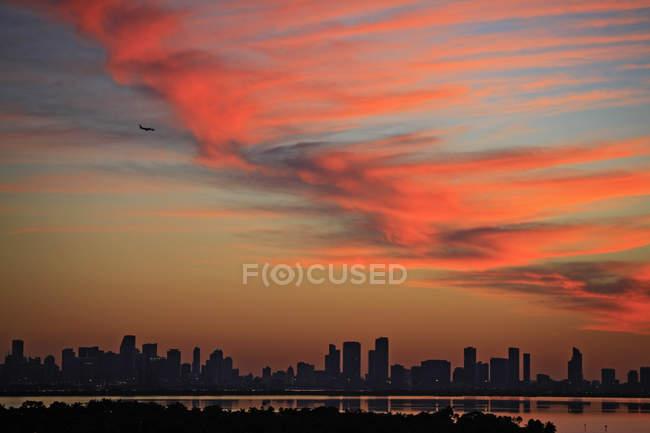 Vista panoramica dell'orizzonte al tramonto, Miami, Florida, Stati Uniti — Foto stock