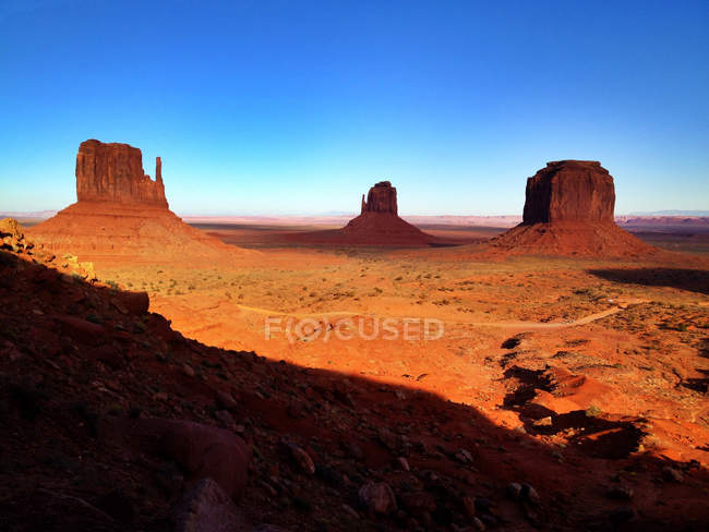 Scenic view of rock formations in Monument Valley Navajo Tribal Park, Monument valley, Arizona, America, USA — Stock Photo