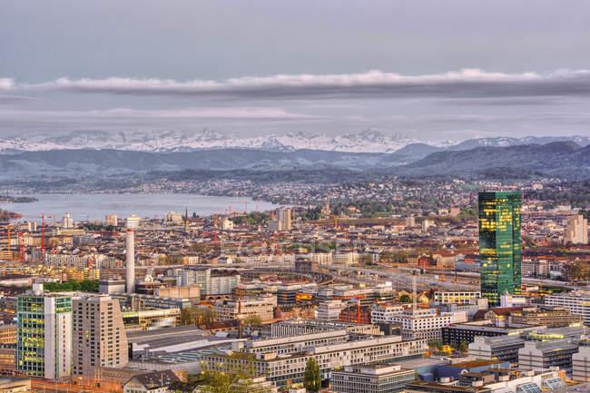 Vue panoramique sur l'horizon zurich, Suisse — Photo de stock