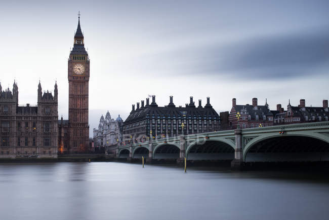 Scenic view of Big Ben and Westminster Bridge, London, UK — Stock Photo