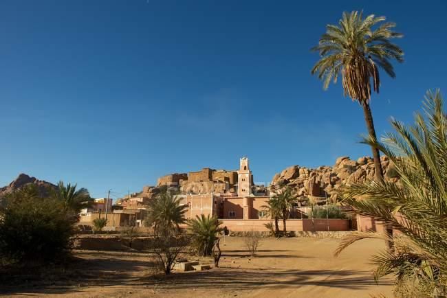 Vue panoramique de la mosquée près de Taroudant, Maroc — Photo de stock