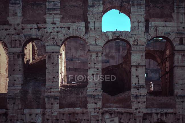Мальовничий вид на Колізей фасад руїни, Рим, Італія — стокове фото
