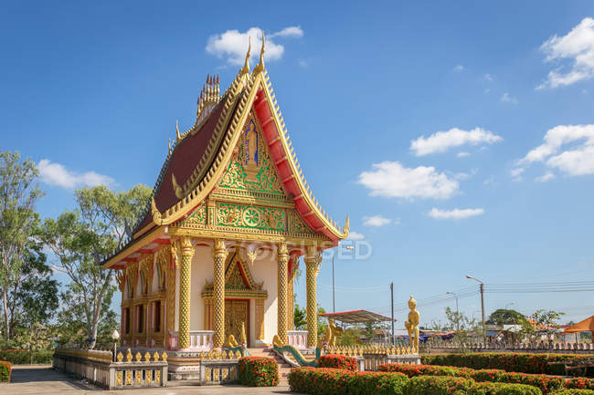 Scenic view of buddhist temple, Savannakhet, Laos, Myanmar — Stock Photo