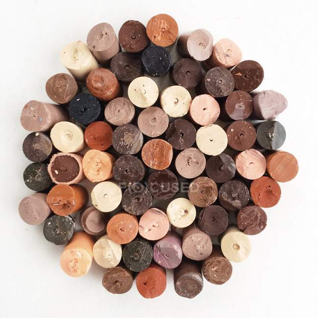 Diferentes tons de pele cor de lápis de cor, vista superior — Fotografia de Stock