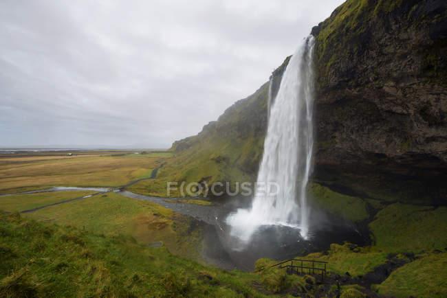 Scenic view of Seljalandsfoss waterfall, Iceland — Stock Photo