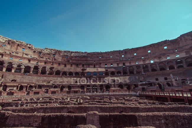 Vista panorámica del famoso Colosseum romano, Roma, Italia - foto de stock