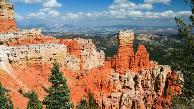 Majestic view of beautiful famous Bryce Canyon, Bryce Canyon National Park, Utah, USA — Stock Photo