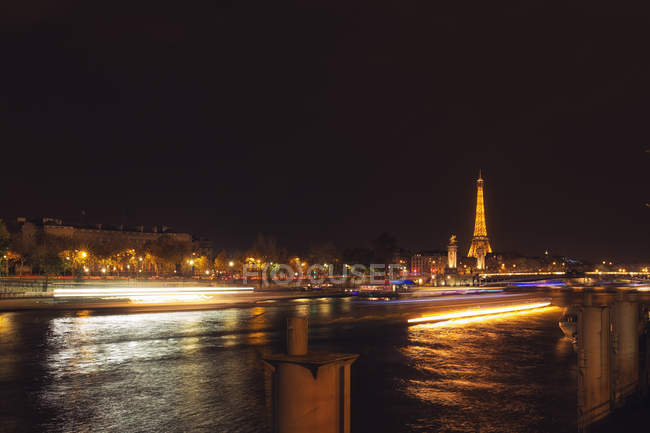 Scenic view of Eiffel Tower at night, Paris, France — Stock Photo