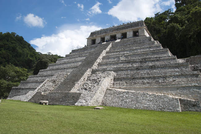 Фасад храму написи, Паленке, Чьяпас, Мексика — стокове фото