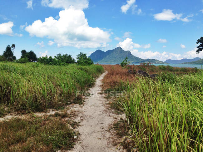 Malaysia, Sabah, Pathway to island mountain — Stock Photo