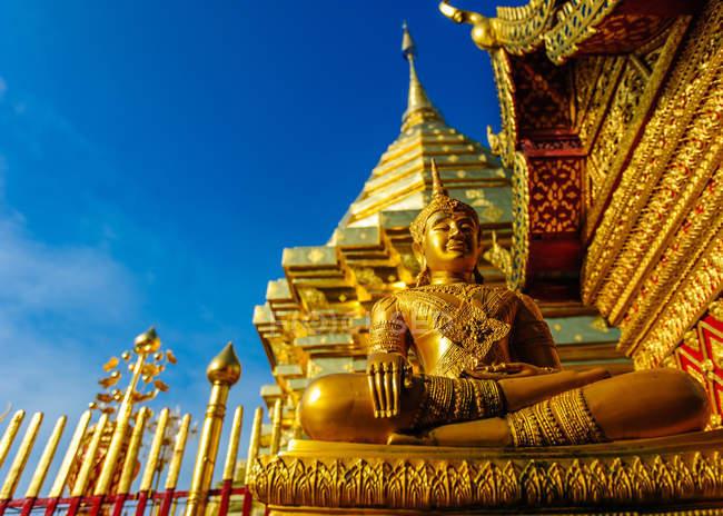 Golden Buddha in Wat Phra That Doi Suthep Temple, Thailand, Chiang Mai Province, Chiangmai — Stock Photo
