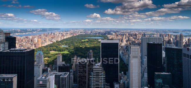 Erhöhte Aussicht auf Dächer, New York City, USA — Stockfoto