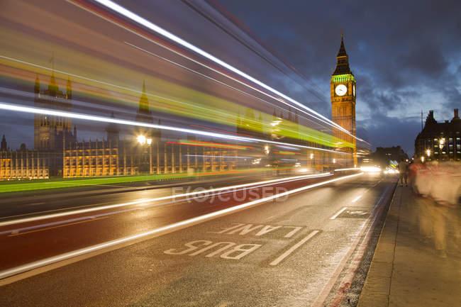 Vista panorámica del Big Ben en la noche, Londres, Reino Unido - foto de stock