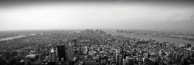 Vista aérea de la ciudad, Manhattan, Nueva York, EE.UU. - foto de stock