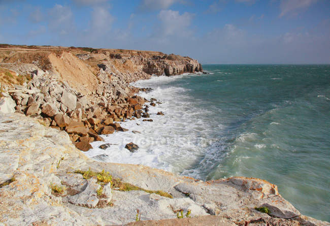 Vista panoramica della costa orientale ventilata, Portland, Dorset, Inghilterra, Regno Unito — Foto stock