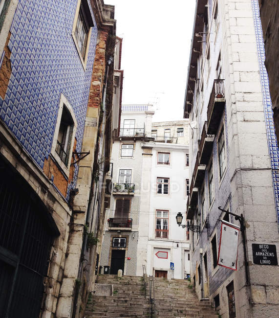 View of city street in Lisbon, Portugal — Stock Photo