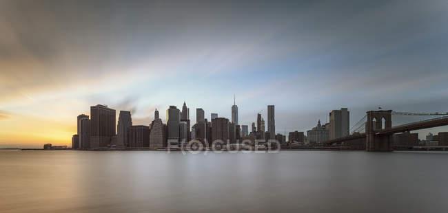 Vista panorâmica de Manhattan ao pôr do sol, Nova Iorque, EUA — Fotografia de Stock