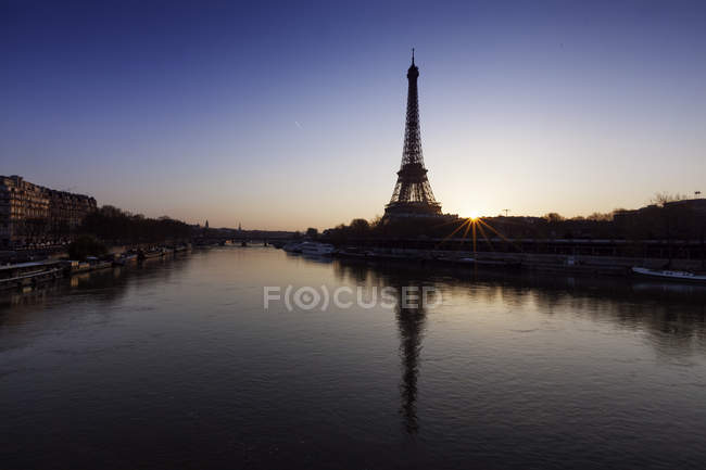 Vue panoramique de la Tour Eiffel et de la Seine, Paris, France — Photo de stock