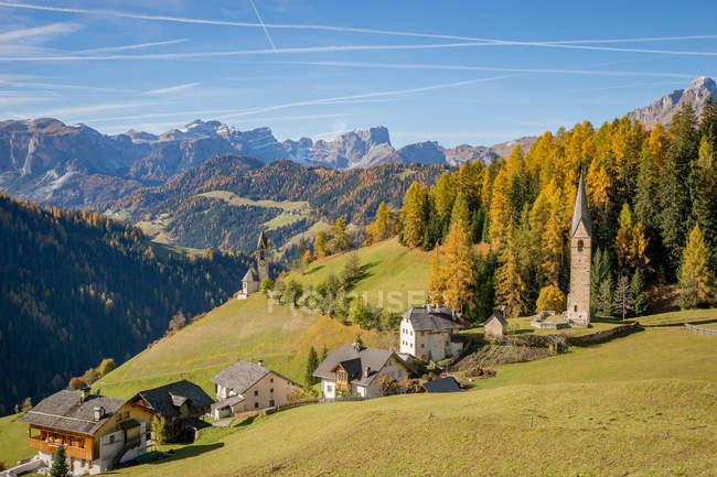 Vista panorâmica da aldeia de Wengen, Tirol do Sul, Itália — Fotografia de Stock