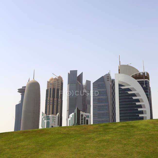 Scenic view of City skyline, Doha, Qatar — стокове фото