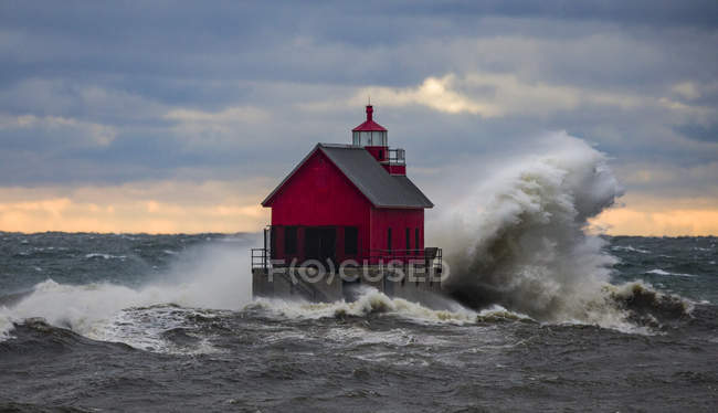 Malerischer Blick auf Grand Port South pierhead inneren Leuchtturm Licht, Michigan, Amerika, USA — Stockfoto