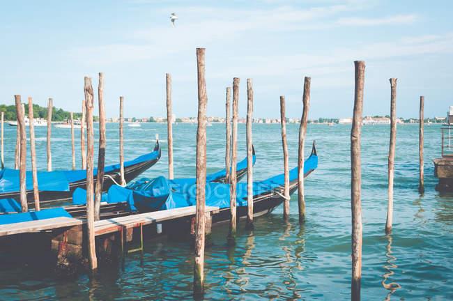 Vue panoramique des gondoles, Venise, Italie — Photo de stock