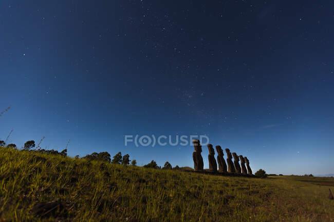 Scenic view of Seven Moai statues, Ahu Akivi, Easter Island, Chile — Stock Photo