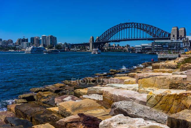 Scenic view of Sydney Harbor Bridge seen from Barangaroo Park, Sydney, New South Wales, Australia — Stock Photo