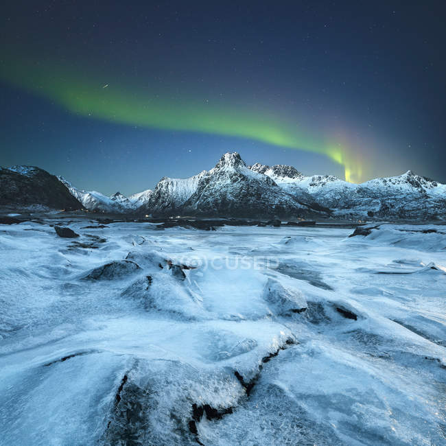 Vista panorâmica da majestosa aurora boreal, Lofoten, Noruega — Fotografia de Stock