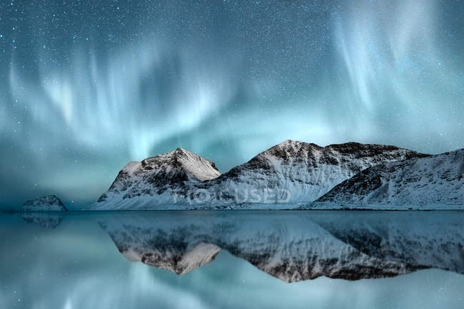 Scenic view of majestic Northern Lights, Haukland, Nordland, Norway — Stockfoto