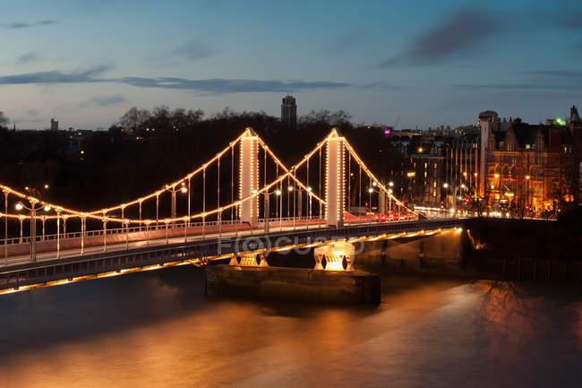 Aerial view of Chelsea Bridge at night, London, United Kingdom — Stock Photo