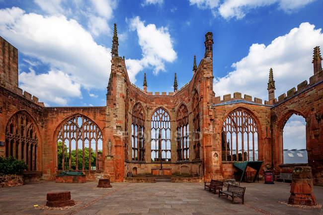 Malerischer Blick auf die Ruinen der Kathedrale von St. Michael, Kloster, West Midlands, England, Vereinigtes Königreich — Stockfoto