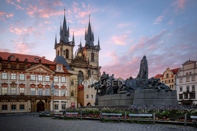Scenic view of Sunrise at the Old Town Square in the Old Town Quarter of Prague, Czech Republi — Stock Photo
