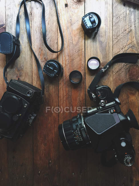 Overhead shoot of vintage film cameras — Stock Photo