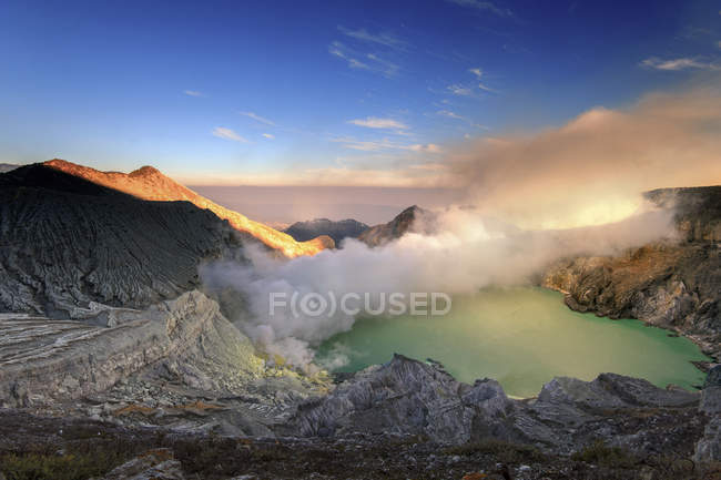 Scenic view of Mt Ijen Caldera, East Java, Indonesia — Stock Photo