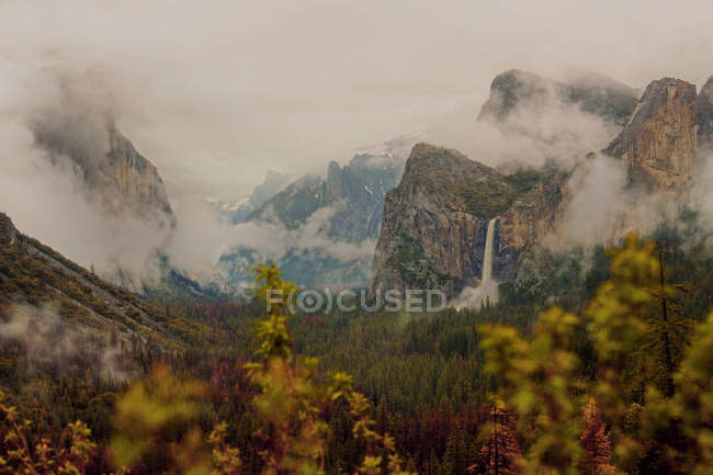 Scenic view of Yosemite National Park, California, America, USA — Stock Photo