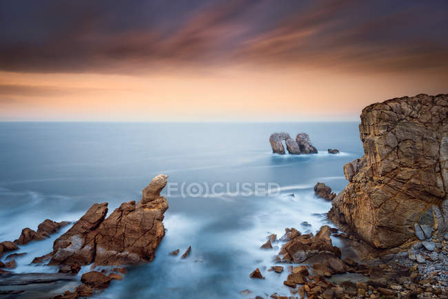 Scenic view of coastline, Liencres, Cantabria, Spain — Stock Photo