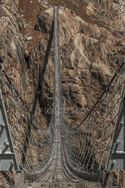 Vista panoramica del ponte trift, Alpi svizzere, Berna, Svizzera — Foto stock