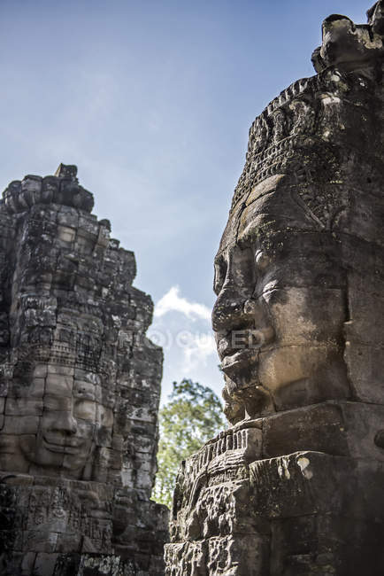 Scenic view of Sculpted stone heads at Bayon Temple, Angkor Wat, Siem Reap, Cambodia — Stock Photo