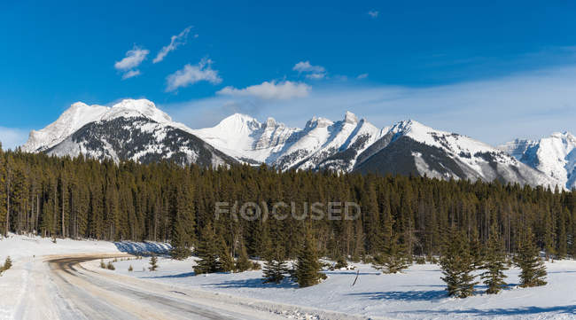 Scenic view of Rocky Mountains in winter, Banff, Alberta, Canada — Stock Photo
