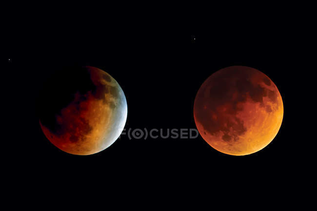 Scenic view of Lunar Eclipse from Beginning to Totality — Foto stock
