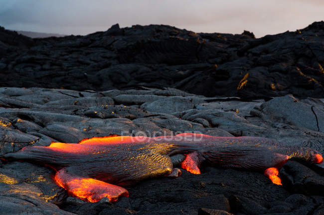 Fluxo de lava no pôr do sol, parque de nacional de vulcões do Havaí, Havaí, América, Estados Unidos da América — Fotografia de Stock