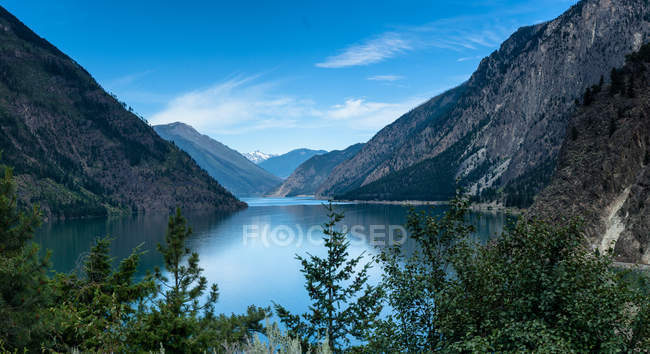 Scenic view of Seton Lake, Lillooet, British Columbia, Canada — Stock Photo
