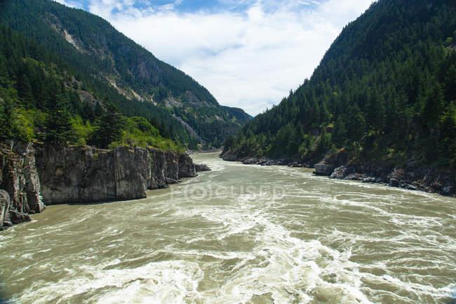 Stromschnellen am Hell es Gate am Fraser River, British Columbia, Kanada — Stockfoto