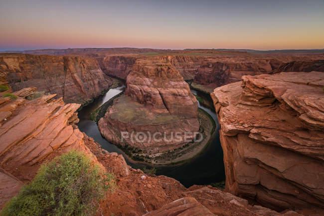 Curva de herradura en el amanecer, página, Arizona, Estados Unidos, Estados Unidos - foto de stock